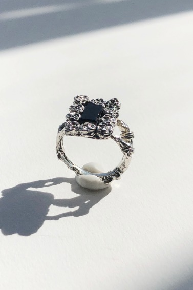 Onyx Rose Frame Ring